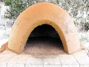 How To Construct A Pizza Oven Dome Out Of Cob Diy Pizza